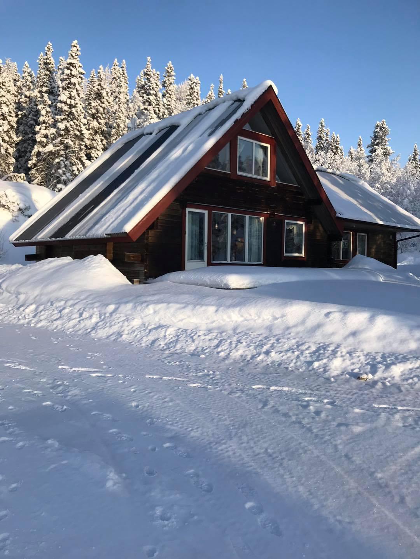 tora stugan vinterbild Hotell Granen
