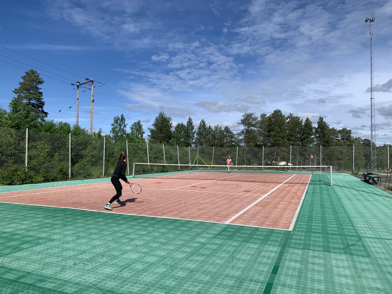 Tennisbanan sommar