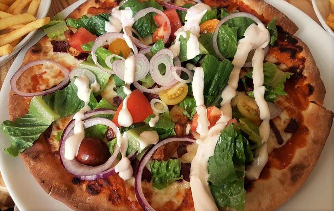 Marsfjäll Mountain Lodge Pizza